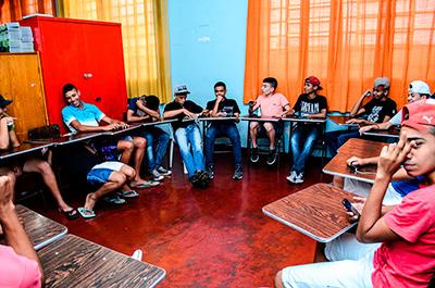 grupo-de-jovens-do-C-J-Interacao